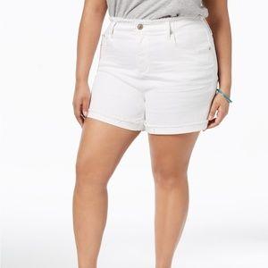 NWT Seven7 Jeans White Denim Cuffed Shorts 20W